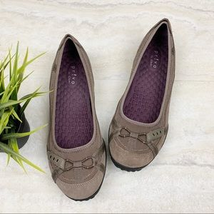 Clarks Privo Slip On Women's Walking Shoes